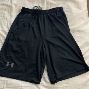 Men's black under armor athletic shorts
